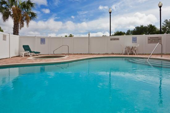 Country Inn & Suites By Carlson, Jacksonville West: CountryInn&Suites JacksonvilleW Pool