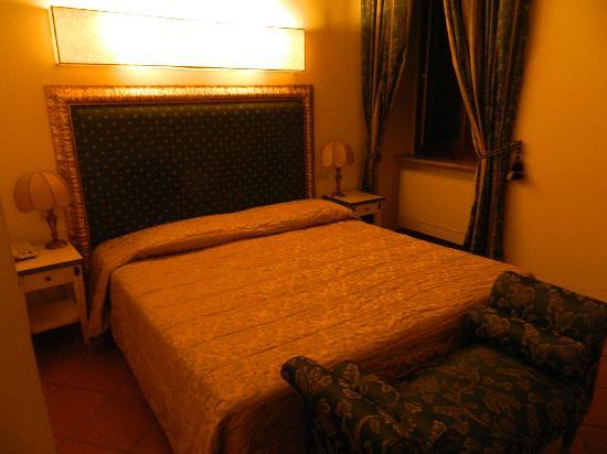 Hotel Italia: letto