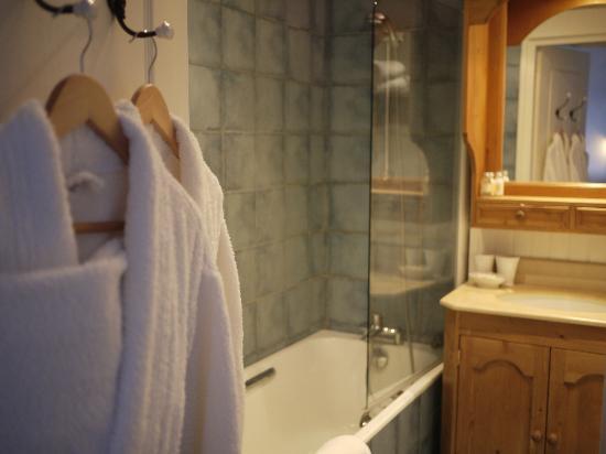 Les Maisons de Lea: バスルーム