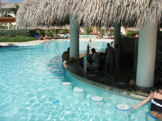 Secrets Royal Beach Punta Cana Pool Bar