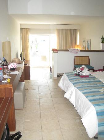 Nissi Beach Resort: Our beach suite (room 4)