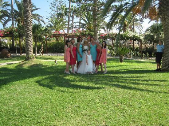 Nissi Beach Resort: Grounds to have wedding pics taken