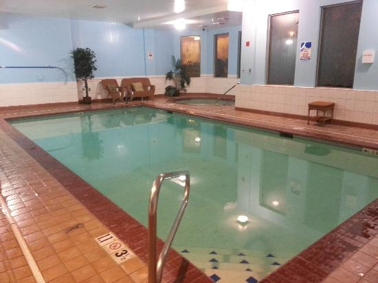 BEST WESTERN Plus Evergreen Inn & Suites: Pool