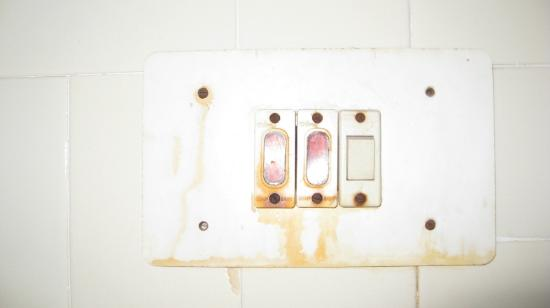 Regal Hotel: E1: Bad electrical switches