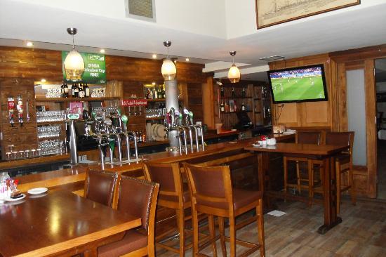 The Quays: nice bar