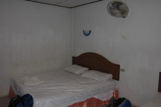 لانتا نيو بيتش بونجالوس: we stayed in much dirtier in Thialand 