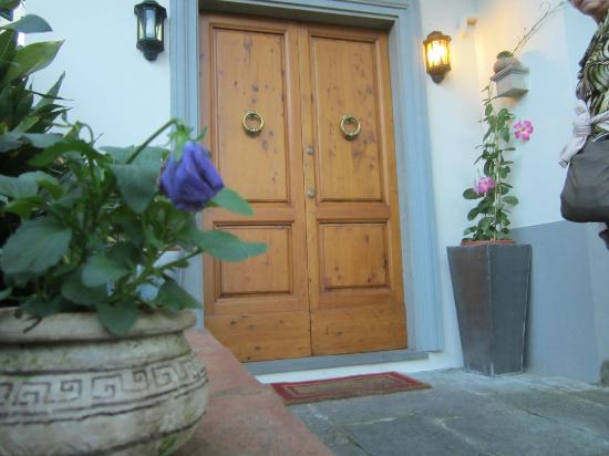 Fiorenza B&B: Front door