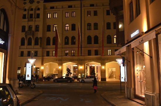 Hotel Munchen Mandarin