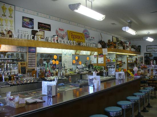 Circleville, OH: old fashioned soda fountain at Wittich's