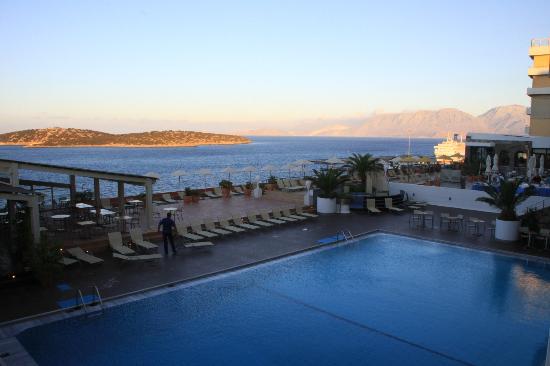 Hermes Hotel : just on sunrise