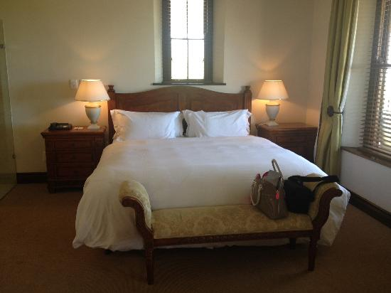 Asara Wine Estate & Hotel: Bedroom