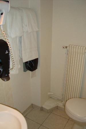 Hotel d'Angleterre: Bathroom 2
