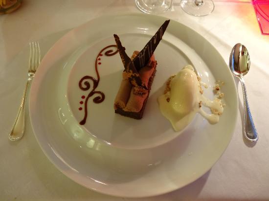 L'Orangerie du Château : Déclinaison autour du chocolat grand cru : moelleux, mousseux, crémeux