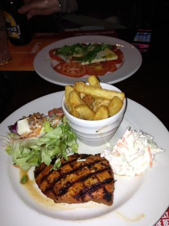 The Stanborough Beefeater: starter and main - cushty