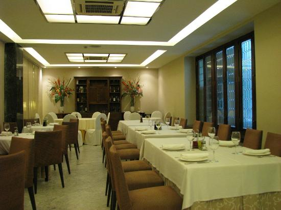 Hotel Becquer: breakfast 2