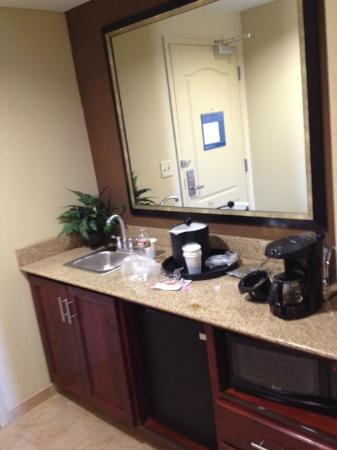 Hampton Inn & Suites West Point: mini bar area as soon as you walk in