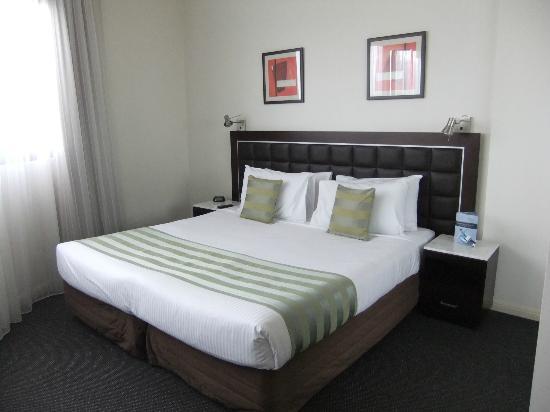 Master Bedroom Picture Of Meriton Suites Kent Street Sydney Sydney Tripadvisor