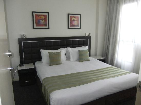 Meriton Serviced Apartments Kent Street: Second bedroom