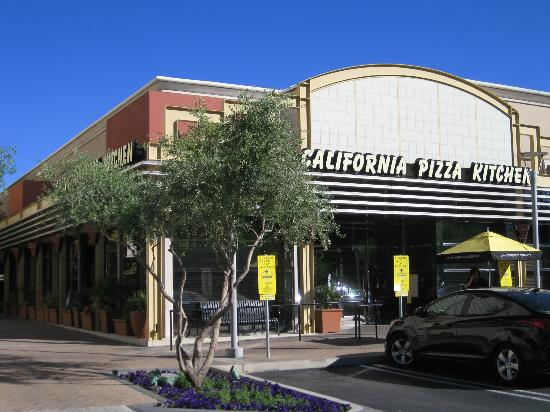 california pizza kitchen, phoenix - 2400 e camelback rd ste 112