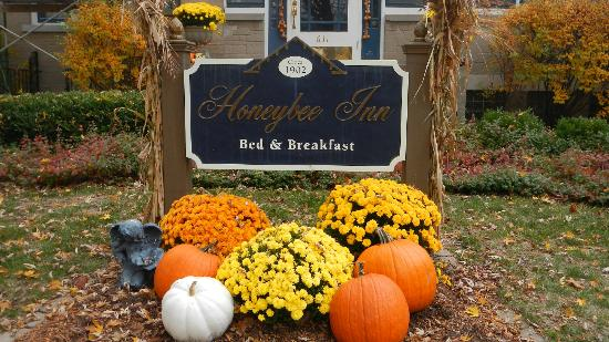 Honeybee Inn Bed & Breakfast : An inviting welcome!