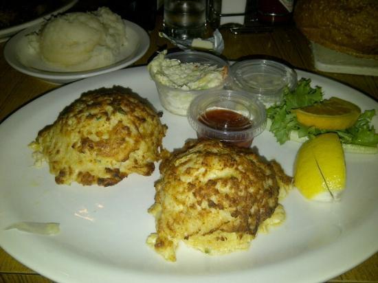 Pennsauken, NJ : The BEST crab cakes