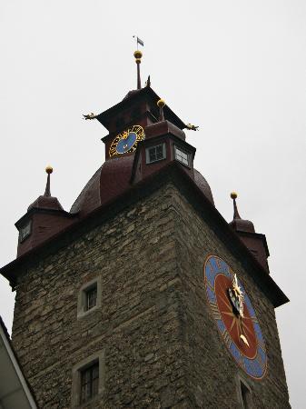 Old Town Lucerne: Torre de San Pedro