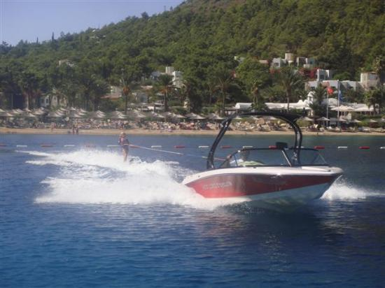 Hapimag Resort Sea Garden: Water skiing