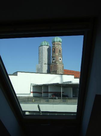 Hotel Mercure Munich Altstadt: another window view