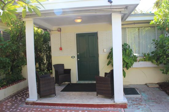 Merlin Guest House Key West: L'ingresso del cottage