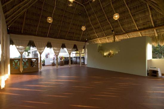 Hotelito Los Suenos: Yoga Studio under the Palapa