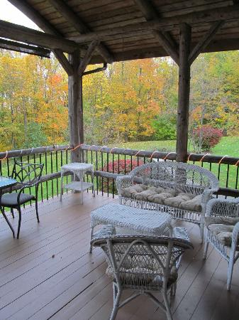 The Chalet of Canandaigua: deck