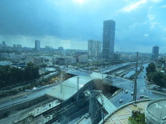 Crowne Plaza Tel Aviv City Center: View from our hotel room