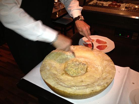 Trattoria Trinacria: Pastas con Parmesano IN CRE IBLES !!!