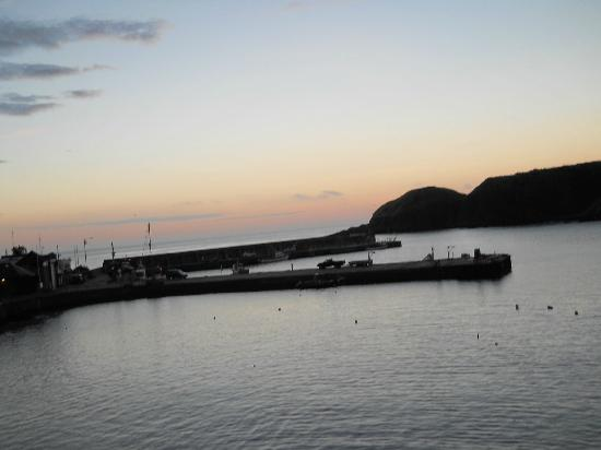 Ship Inn: Sunrise at Stonehaven harbour