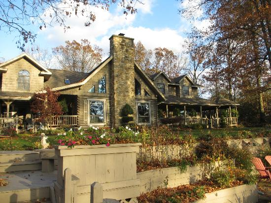 Mary Helen's Bed & Breakfast and Fine Dining: Gorgeous property