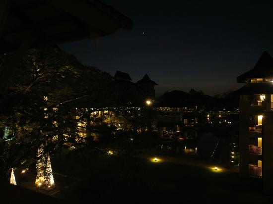 Le Meridien Chiang Rai Resort: Lovely in the night
