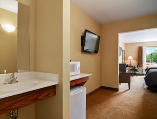 Bethel Inn & Suites: Suite