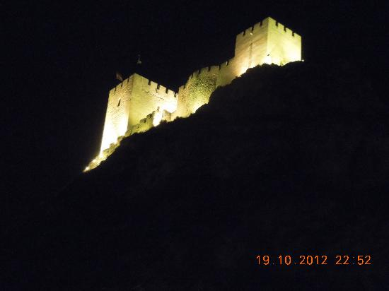Hotel Fuente El Cura : view of the castle from our room
