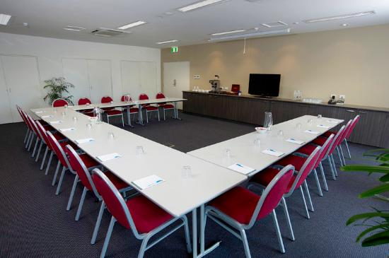 Quest Palmerston: Meeting Room