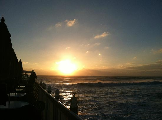 Benny's on the Beach : The sunrise the day after Hurricane Sandy