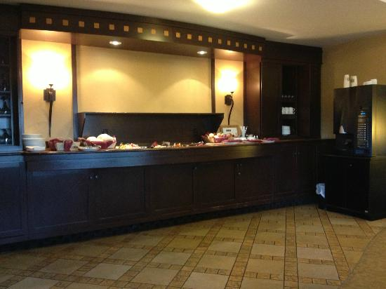 Delta Hotels Quebec: buffet on 12th floor