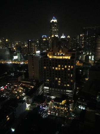 Landmark Bangkok: View from the room at night