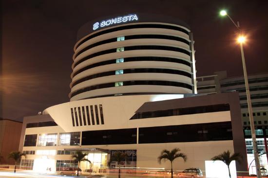 Sonesta Hotel Guayaquil: Exterior Evening