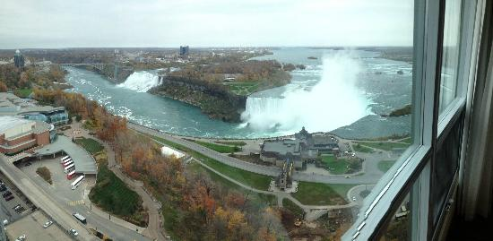Embassy Suites by Hilton Niagara Falls Fallsview Hotel: View from suite 3305