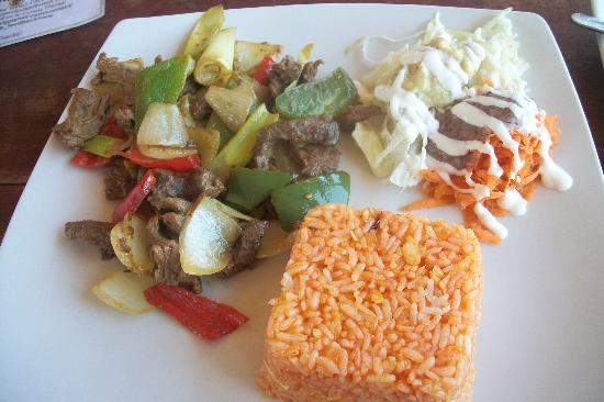 Solah Beach Bar and Restaurant: beef fajitas