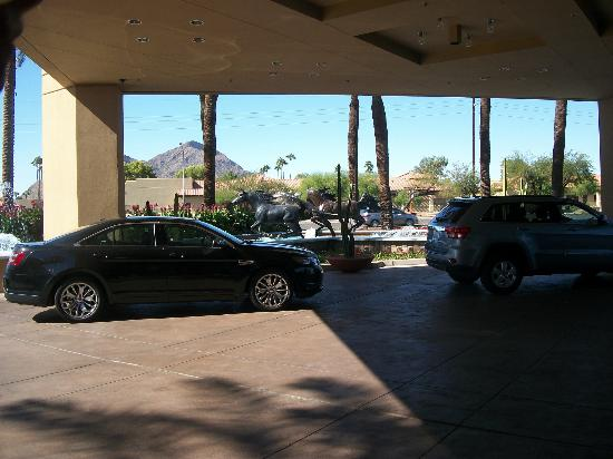 DoubleTree Resort by Hilton Paradise Valley - Scottsdale: Entrance to Double Tree