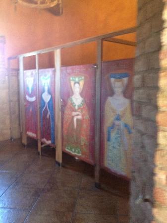 Castello di Amorosa: Bathroom