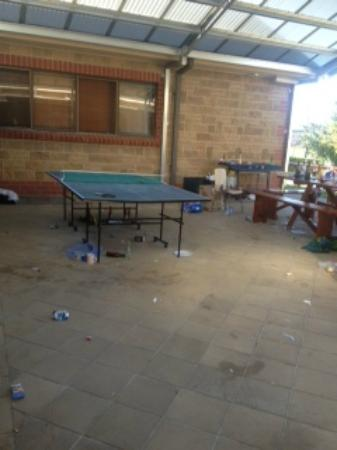 Barossa Backpackers: Mess from the party