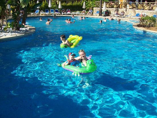 Aparthotel Playa Mar & Spa: pool
