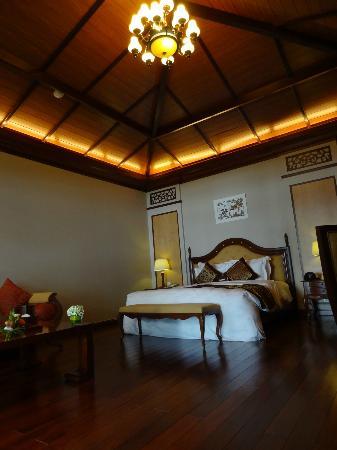Vinpearl Luxury Nha Trang: Beachfront villa